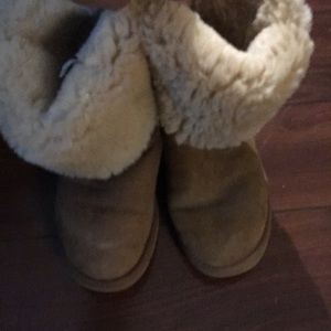 Shoes - UGG Boot